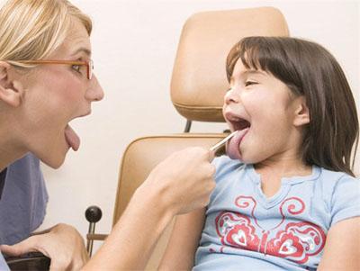 çocuklarda ve bebeklerde boğaz iltihabı