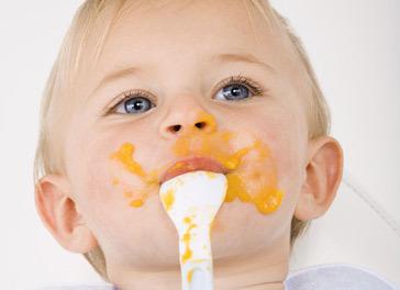 9 aylık bebeğin beslenmesi ve bakımı