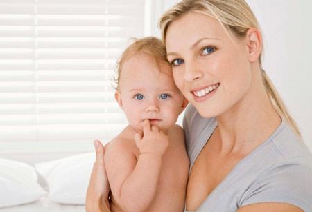 bebeklerde tırnak bakımı ve temizliği