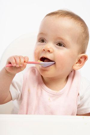 7 aylık bebeğin beslenmesi ve bakımı