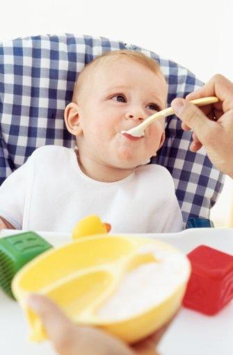 5 aylık bebeğin beslenmesi ve sebze çorbası nasıl yapılır
